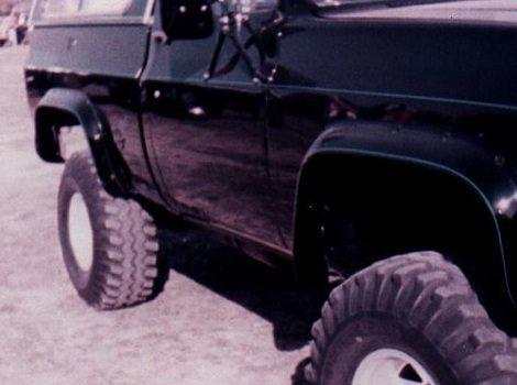 75-78 GMC C25 Cut-Out Fender Flare Front Pair, Bushwacker #40003-011