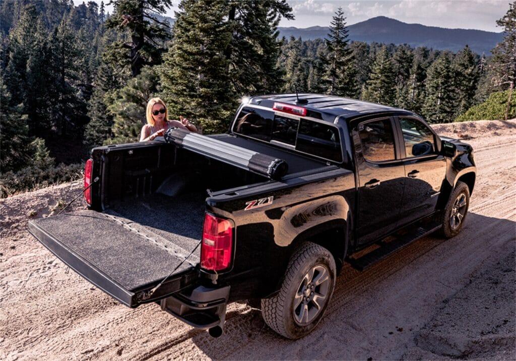 Hard rolling tonneau covers