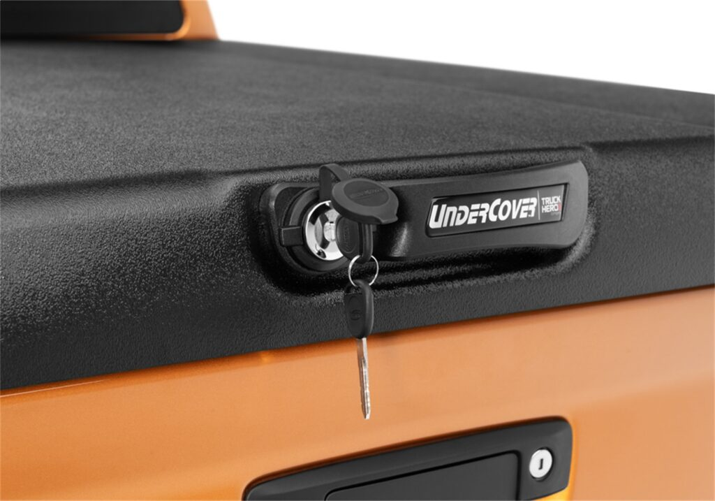 Undercover elite hinged tonneau covers