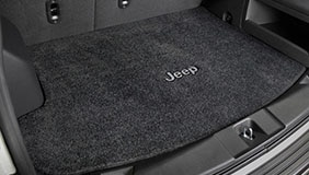Trunk mat embroidered with Jeep logo