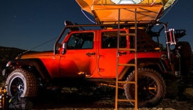 Smittybilt Jeep with tent installed