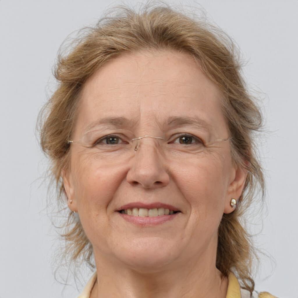 Headshot of Kathy